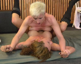 Bianca Germany and sexy Mo fighing for the domination with hard breast against breast squeezing and body to body rubbing